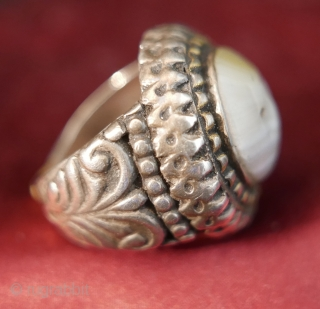 Antique Agate and Silver 'Signet' Ring from Afghanistan;  19th c.