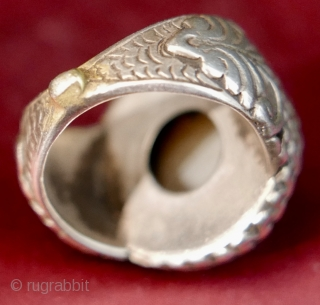 Antique Agate and Silver 'Signet' Ring from Afghanistan;  19th c. Very masculine and rather regal 'signet' ring from Afghanistan - perhaps belonging to a tribal chieftain; silver with a nodule of gold  ...
