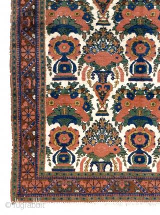 Afshar Rug, 4.9 x 6.3 Ft (145x191 cm), very good condition, all original.