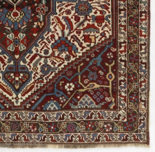 """Antique Tribal Khamseh Rug from Southern Persia, ca 1900.   5'3"""" x 9'4"""" - 160x191 cm.  Very good condition, even medium pile.  no 4634"""