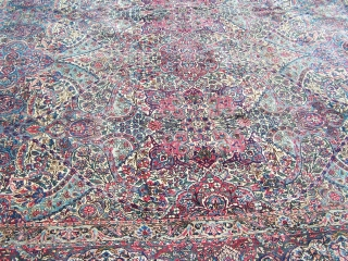 A very nice overall pattern early 20th Century Kirman carpet.  The carpet is in nice condition.  It measures 9'x15'.