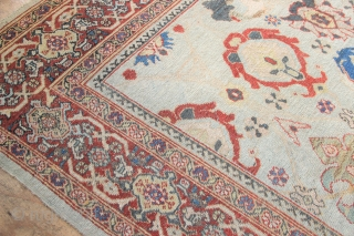 """Fantastic Mahal carpet with huge round blossoms on a very pale blue background. 8'1"""" x 12'5"""" / 246 x 377cm"""