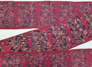 Rare Palledar Fragment of Kani Jamawar, From Kashmir, India. c.1800-1825. Its Size is 17cmx282cm.  Total 25 Butas, Buta's size is 10cmX15cm (20210107_142728).