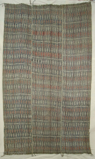 Hamp Naga Shawl(Cotton)From Nagaland, India.Its size is 105cm X170cm.Condition is worn,Because of Age(DSC08815 New).