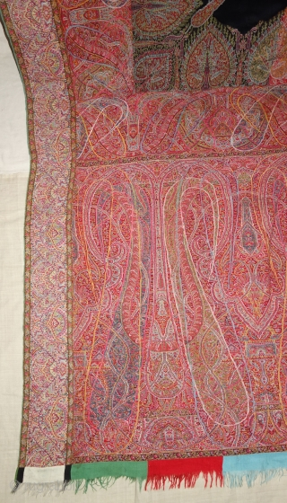 Highly Sikh Period Jamawar Long Shawl with double colour Middle, From Kashmir, India.C.1820-1850.Its Size is 143cmx280cm (DSC07719).