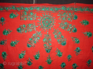 Achochini Womens's bridal Shawl,From Sindh Pakistan,Cotton ground with floss silk embroidery.Its size is 148cmX190cm(DSC01988 New).