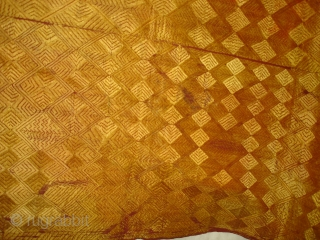 Phulkari From West(Pakistan)Punjab. India.known As Vari-Da-Bagh ,Very Rare influence of Different Design and different colour Nazar buti(DSC02439 New).