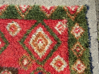 Finnish double sided ryijy rug, the front is in very good condition, signed and dated w1843, 175x135 cm. One end is folded, so the rug is not reduced. Not so easy to  ...