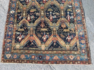Bidjar area rug, 180x134 cm, made between 1915-1930. It's in a nice used condition with good pile and as it looks only organic colours. Sides need to be fixed if it should  ...