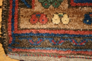 Old Kurdish all wool rug, 115x178 cm. Great, shiny wool and some nice corrosion and wear. Lovely green colour. Two corners has lost some knots. Rug has no repairs.