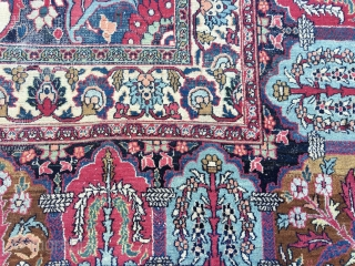 An big and beautiful early 20th c. antique rug made in East Iran, Mashad or Dorokch perhaps. It's 488x347 cm and in used condition. It could use a bath but it's not  ...