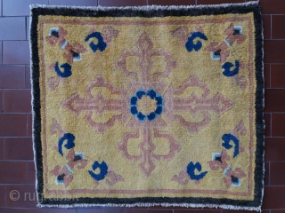 Top quality antique Chinese sitting mat made for the Tibetan religious market (found in Lhasa with tipical Tibetan red felt border), double dorje design for a high rank lama, fantastic quality (photos  ...