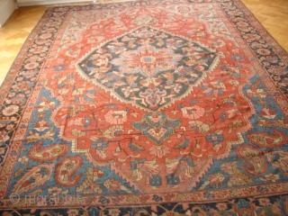 Heriz Carpet, circa 1910  3.85 m x 2.90 m (12 ft. 10 in. x 9 ft. 8 in.)