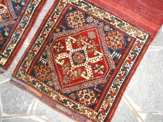 Antique khordjin Persian Qashqai (maybe a pair of Khamseh confederation). In perfect condition. All wool with all natural dyes. Carpets washed and ready to use. More photos on request without hesitation.  Sizes cm. 60 x 59  ...