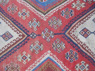 Oriental carpet Lory ancien with size cm. 221 x 131 cm Good condition. Some old repairs. Original piece from region of FARS. All wool and natural dyes. Please ask for more info, photos oder query. WARM  ...