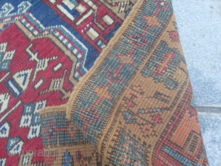Antique runner knotted in the village of SARAAB, azeri region of nord Persia. Good condition for this one. Size is:  4.85 x 1.01  m. Natural colors and very beautiful border for this  ...