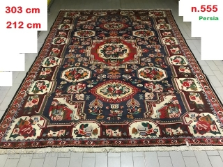 303 x 212 cm old Bachtyar design Farah-Dunbeh in very good condition and with fine asimmetrical knot. Washed and ready for domestic use. For more info or photos of this Chahre Mahal -va-Bachtyari don't  ...