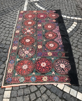 Vintage Kirghiz table cover handmade table cover, hanging wall  Decorative Home,,,  Size: 180 cm X 109 cm  100% handmade  Dry clean only  Suzani  Suzani is a type of embroidered and decorative tribal textile made in Tajikistan, Uzbekistan,  ...