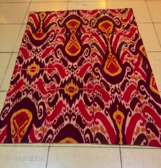 Uzbek vintage old silk ikat blanket cover  Size: 175 cm X 130 cm  Fast shipping by Fedex all over the world  Thanks visiting for my etsy shop :)