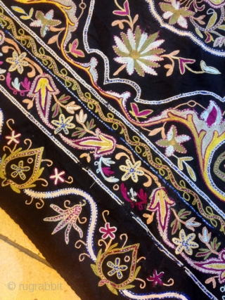 antique resht embroidery old suzani persian old textile old fabric linen iranian arts ethnic and tribal textiles fast shipping by fedex  Size : 100 cm X 97 cm  100% handmade   Suzani  Suzani is a type of  ...