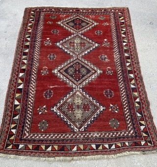 Caucasian Kazak Rug - 5'6 x 7'8 / 170 x 238 cm - late 19th or early 20th c. - original side selvages in good shape