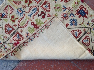 Summer sale : A beautiful Grec embroidery cushion !? complete .  Size : 51x48cm