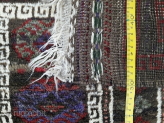 Stunning old balochi prayer rug with beautiful colors. Excellent condition. Size 137x85 cm