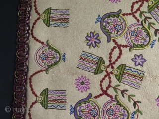 """Antique Ottoman Praying Felt Rug. Wool, Silk and metallic embroidery on felt. Circa 1900.  Some small moth damages and stains.  Size: 38.6"""" x 63"""" - 98 cm x 160 cm."""