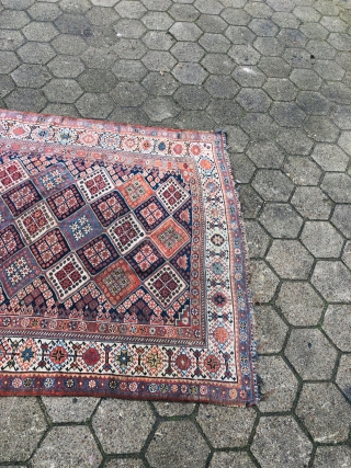 Antique Shekarlu Qashqai tribal rug from Southwest Persia, 19th century. Size: 280x140cm / 9'2''ft x 4'6''ft