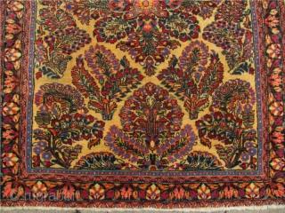 Very nice antique white ground Sarough rug. Size: ca 145x100cm / 4'8'' x 3'3''