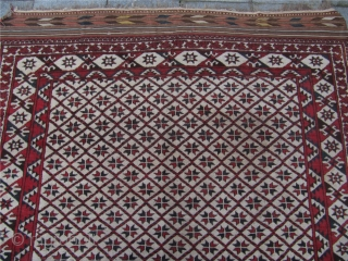 Antique white ground Ersari main carpet with unique ground colour. Late 19th century. Origin: North-Afghanistan. Good overall condition. Size: ca 280x190cm / 9'2'' x 6'3'' with kilims.