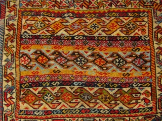 Very nice antique Qashqai bagface with beautiful colors. 19th century Size: ca 58x51cm. spots of fuchsine. www.najib.de
