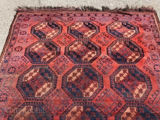Antique Turkmen Ersari main carpet, Amu Darya region, 19th century. Size: 275x210cm / 9ft by 7ft, some wear but still a lovely piece.
