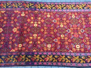 Antique Caucasian Karabagh long rug. Very good condition. Size: ca. 285x130cm / 9'4'' x 4'3''ft , Age: circa 1900, www.najib.de