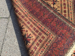 A very nice antique Baluch prayer rug, fine quality, lovely details. Age: circa 1880 Size: ca 145cm x 85cm ( 4'8'' x 2'8''ft ) Beautiful collector´s piece , much better then most  ...