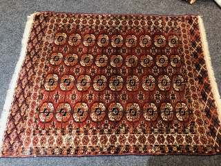 Antique Turkmen Tekke rug with rare white star border, size: ca. 170x135cm / 5'6''ft by 4'5''ft, age: 19th century.