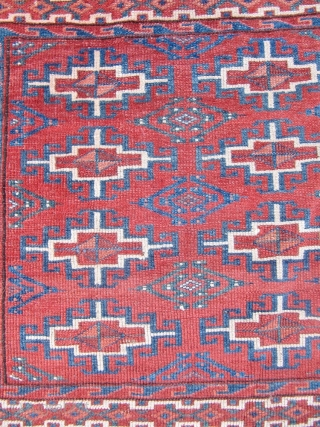 """Antique Turkmen Yomud Chuval with """"memling gol"""" design. Age: circa 1870. Well executed example with beautiful cclors. Nice colletor´s piece. Size: ca.112x75cm / 3'7''x 2'5''ft www.najib.de"""