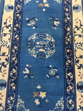 A lovely antique Chinese Peking rug, beautiful blue ground color, size: 175x95cm / 5'8''ft x 3'1''ft