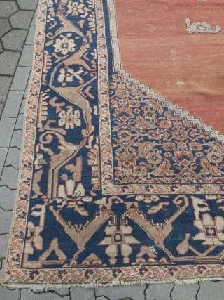 Antique Persian Bakhshayesh carpet, very decorative. Size: 510x310cm / 16'7''ft x 10'2''ft Age: 19th century, some wear, still very decorative