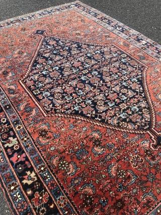 A lovely small antique Persian Bidjar rug, size: ca. 160x110cm / 5'2''ft x 3'6''ft