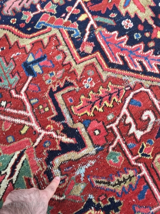Estate find: Antique Persian Heriz carpet, very decorative, fine and clear knot quality. Size: ca. 411x307cm / 13'5''ft x 10'1''ft , this carpet has been professionally cleaned, it has some spots of  ...