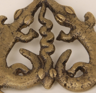 Old  Lobi Guin Gan bronze amulet, hand made by lost wax technic, reperesenting two crocodiles and one snake in the middle. From Burkina Faso.