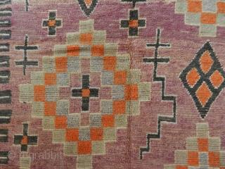 Pile carpet cod. 3005. Zemmour confederation. Middle Atlas. Morocco. 1st half 20th. century. Good condition. Size cm. 386 x 150 (152 x 59 inches).