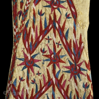 Woman's yellow Chyrpy fragment cod. 0679. Silk embroidery on silk. Turkmen people. Central Asia. Early 19th. century. Cm. 42 x 81 (16.5 x 32 inches).  