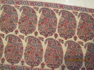 A beautiful outer portion of an antique triangle Kashmir shawl. size 339cm. all over.