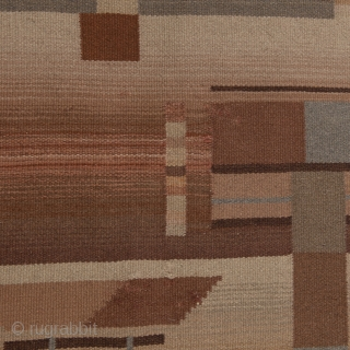 Quite decorative 30's déco carpet from Finland with geometric motifs in pretty good condition.   3x2 meter/ 9.8x6.5 feet