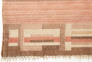 Flatweave 40's carpet from Finland in delicate colour palette in good condition.   Size is 355x250 cm/11.6x8.2 Feet.