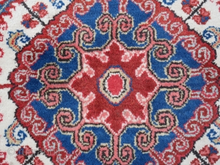Persian Heriz Rug 330x237cm circa 1960-70s   Heriz rug are very hard wearing rugs; they last generations. They are particularly suited for conservative elegant homes. It is no coincidence they are often seen in  ...