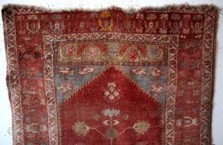 antique Ladik, 155 x 105 Cm.  Clowd band ( dragons) both sides of the centre hexogan.