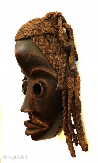 Dan mask, Gunye GE, Ivory Coast, high 23 Cm. wide 14 Cm.  Provenance, ex collection Heinrich Goertz, autor of several books.  Signens Kunstauktionen. Now Dutch collection.